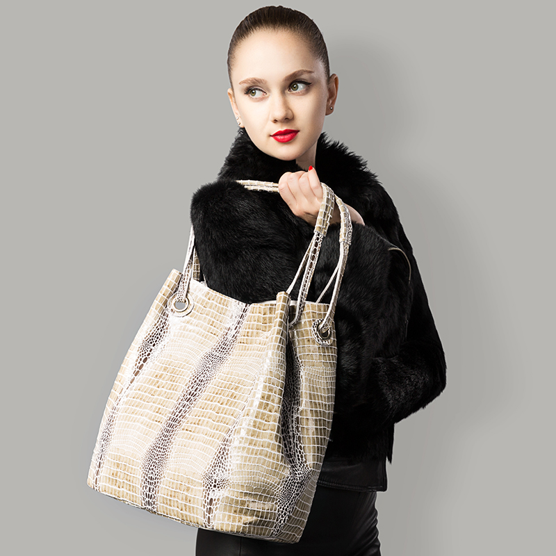 REALER brand design genuine leather shoulder bag female fashion serpentine pattern leather handbags women casual tote bag