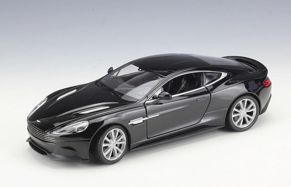 Welly 1:24 Aston Martin Vanquish Black Diecast Model