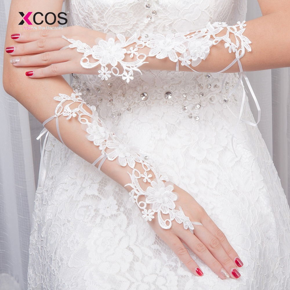 New 2018 Cheap White Lace Golves For Wedding Fingerless Beads Bridal Gloves Wedding Accessories Luvas De Noiva image