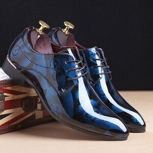 Image 2 - REETENE Floral Pattern Men Dress Shoes Men Formal Shoes Leather Fashion Groom Wedding Men Shoes Oxford Shoes For Men Zapatos De