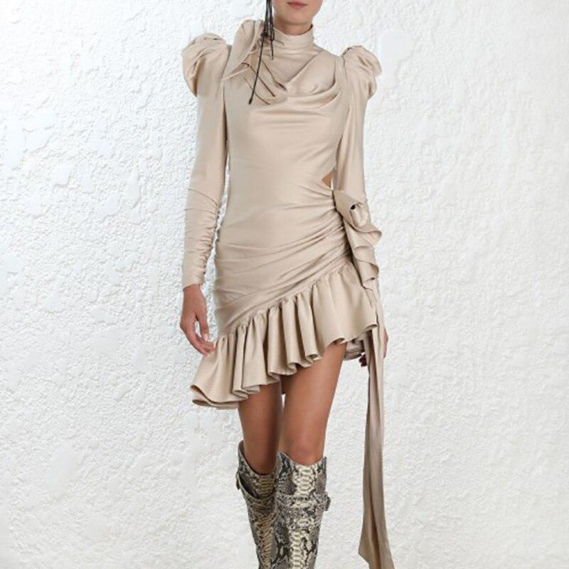 Nuevo llegado color beige volantes irregular bodycon vestido negro puff manga moda mujeres vestido vacaciones fiesta mini vestido-in Vestidos from Ropa de mujer    1