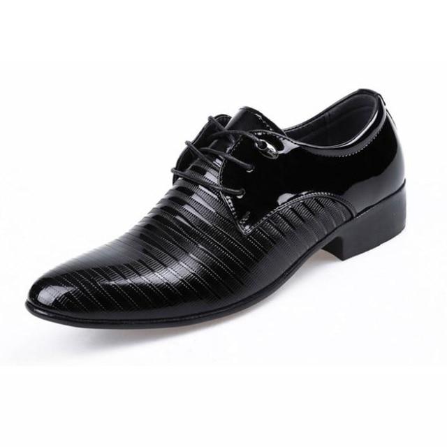 Los hombres de oficina de calidad zapatos de los hombres zapatos oxfords de moda de cuero masculino sapatos zapatos de vestir de negocios oxford zapatos de hombre