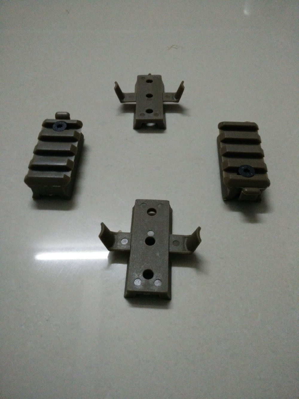 Prix pour Emerson Tactique RAPIDE Casque accessoires rail pince rack Dark earth/FG/noir EM5669 guide support
