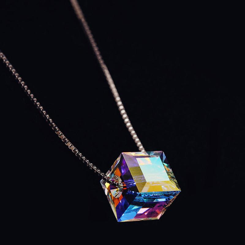 Lady CollarネックレスCollier Femme Christmas Gift Jewelry Women Austrian Crystal Cube Necklaces&Pendants for Women