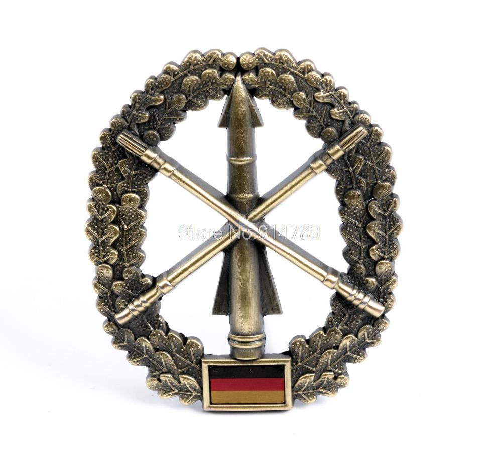 GERMAN MILITARY ARMY ACTIVE DUTY ANTI-AIRCRAFT BERET CAP HAT BADGE-35371