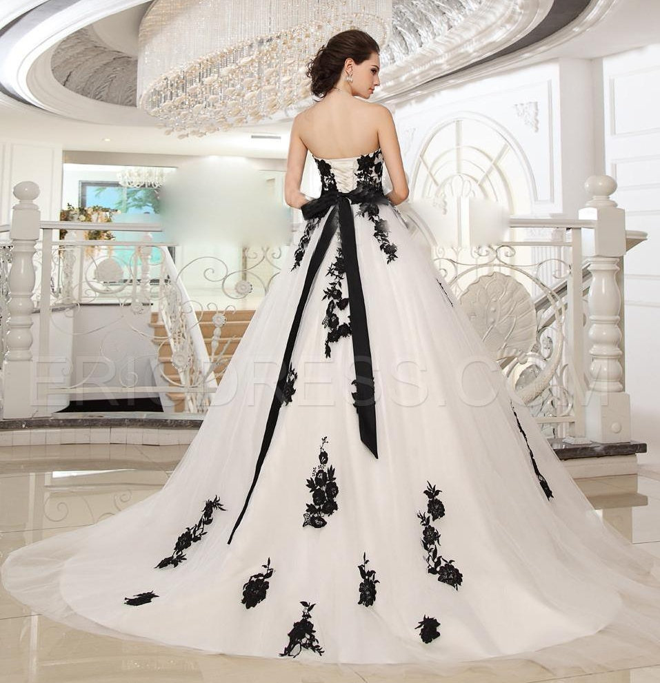 Romantic Plus Size Black And White Wedding Dresses 2015 Bride