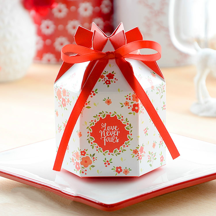 Home Design Gift Ideas: 50 Pcs Exquisite Irregular Shaped Flower Candy Boxes