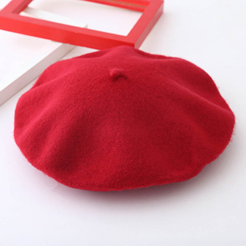 Vancol 2017 Women Artist Beret Cap French Style Winter Vintage Pattern soft  Felt Wool Beanie Hat Ladies Fashion Classic Berets-in Berets from Apparel  ... 8db533f2a20