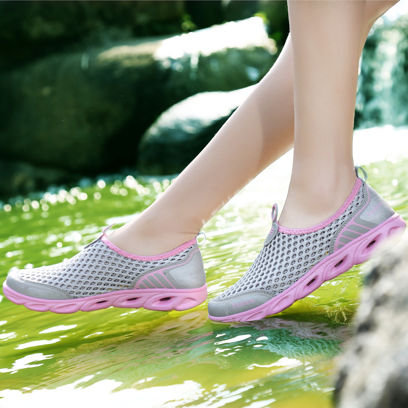 Women casual shoes sneakers men new arrival hollow out mesh beach shoes woman 2019 fashion breathable women shoes zapatos mujer Сникеры