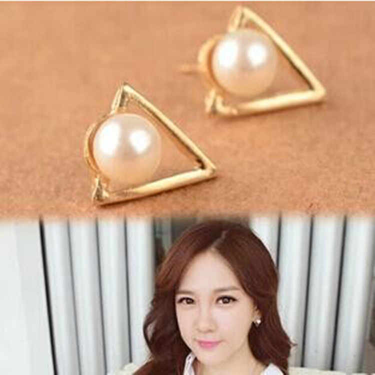 2017 Fashion Ear Jewelry Studs Earrings Cute Triangle Pearl Earrings Broncos For Women Gold Perle Boucles D'oreilles Femmes