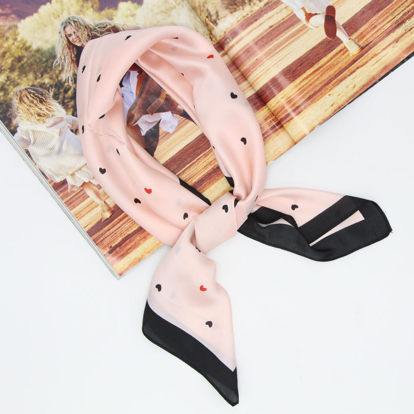 Hot Selling Women Square Imitation Silk Scarf Fashion  Mini Heart Print Kerchief Neckwear Size 70x70cm Foulard Bandana LL180201