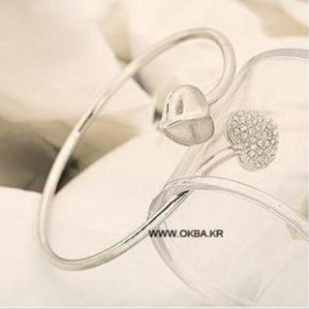 sl 0188 Korean version of the jewelry twisted crystal heart heart bracelet female OL temperament jewelry accessories factory