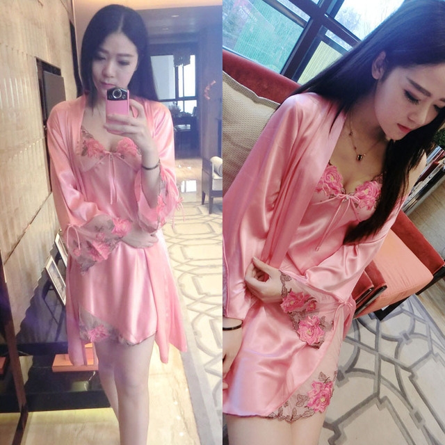 Free shipping Spring &Summer Sexy Women's Strat embroidery Nightgown Sleepwear Female Silk Robe Twinset Lounge 2 PCS Set women