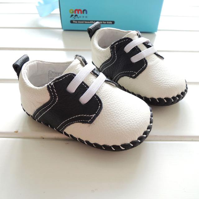 2017 omn marca chicos guapos zapatos de cuero genuinos zapatos prewalkers suaves del niño del bebé zapatos de bebé de interior