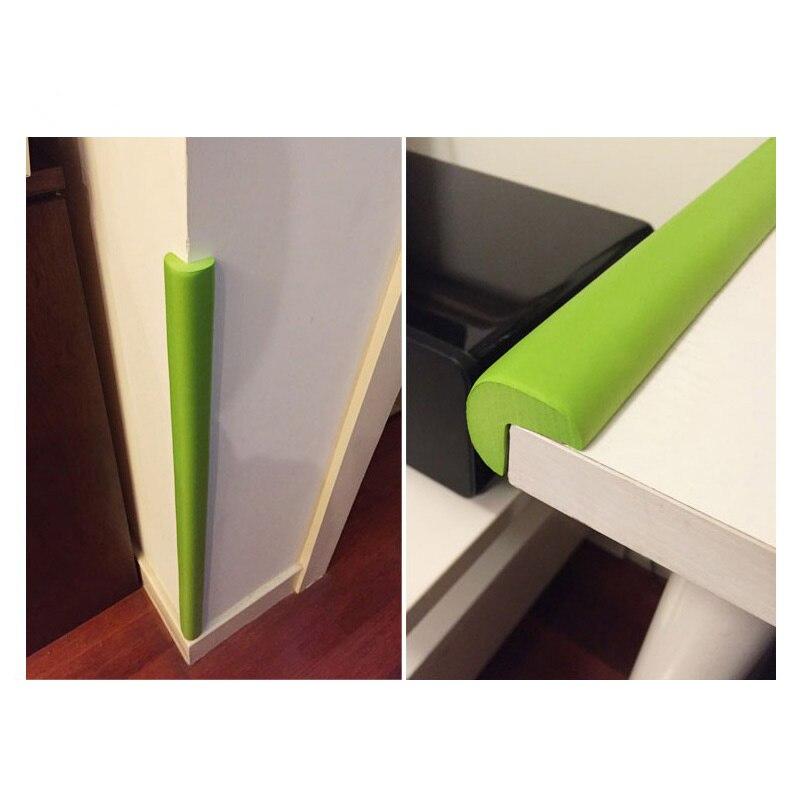 Есть u-образный и c-образный блокираторы для дверей шкафчиков, которые крепятся за ручки и не дают их открывать.