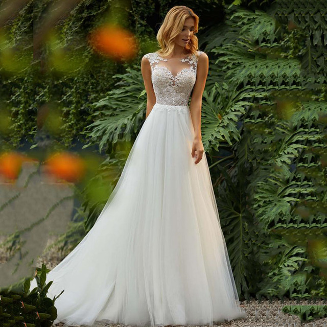 8016a8c5c3f LORIE Princess Wedding Dress 2019 O-Neck Appliqued with Lace top Tulle  Skirt Beach Boho