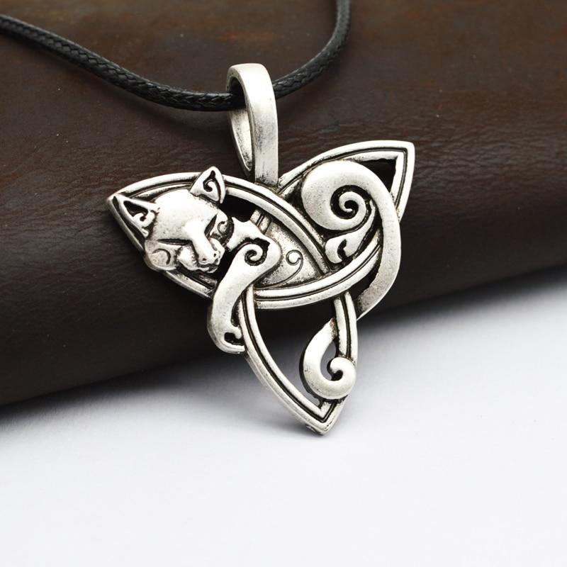 1pcs Men s Large Viking Jewelry Fox Triquetra Fenrir Animal Teen Wolf Necklace Irish Celtics Knot Pendant Amulet Necklace CT526