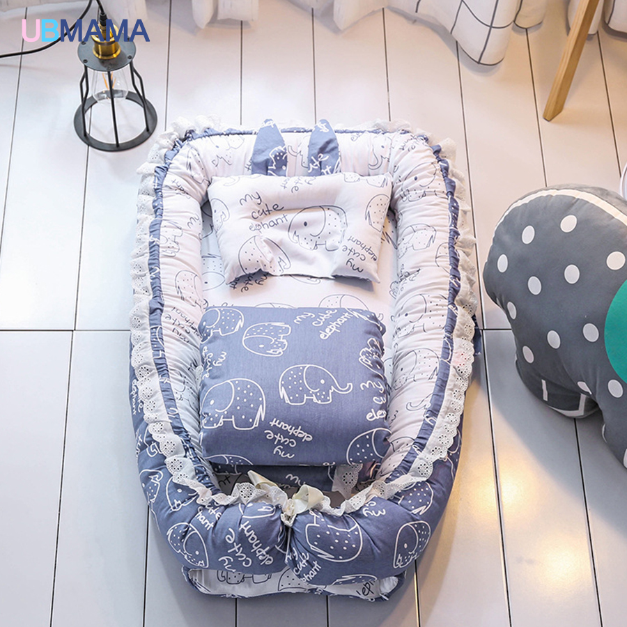 Simple Lovely Travel Foldable Pillow Portable Stripde Solid Baby Sleeper Cotton Newborn Lace Crib Pillow Quilt Crib 90*50*15cm