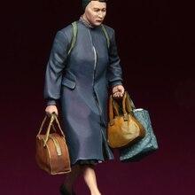 [tuskmodel] 1 35 scale resin model figures kit WW2 European refugees lady