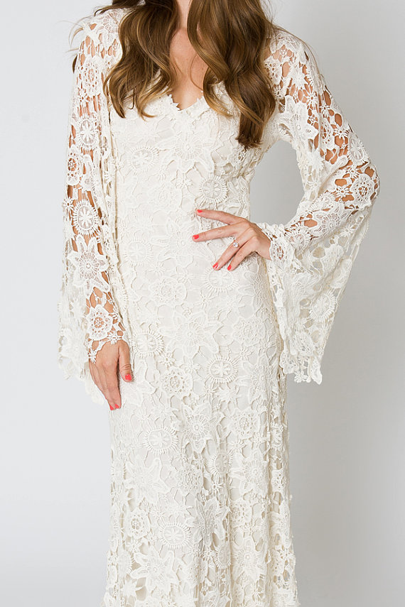 65c40ce81254 Vintage Ivory Lace Bohemian Wedding Dress V-neck Bell Sleeves Boho Embroidered  Maxi Lace Dress Hippie Wedding Bridal Gowns