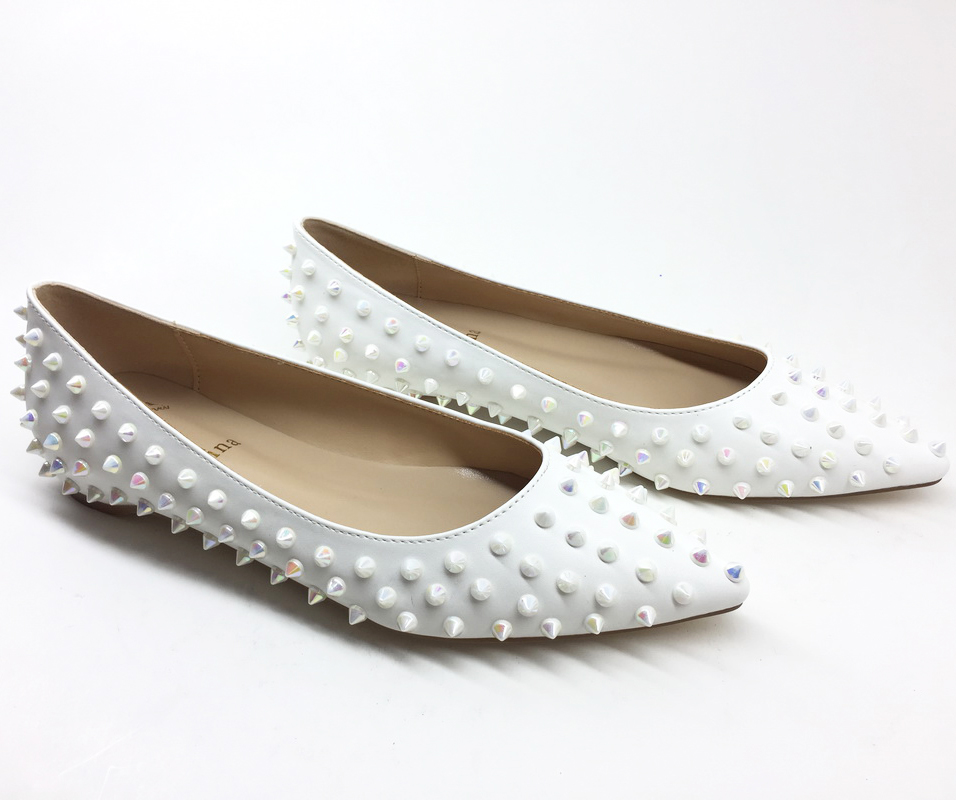 New Arrival 2018 Fashion beautiful rivets women flats shoes Sexy Pointed toe women low heels shoes lady flats party wedding geparlys beautiful lady