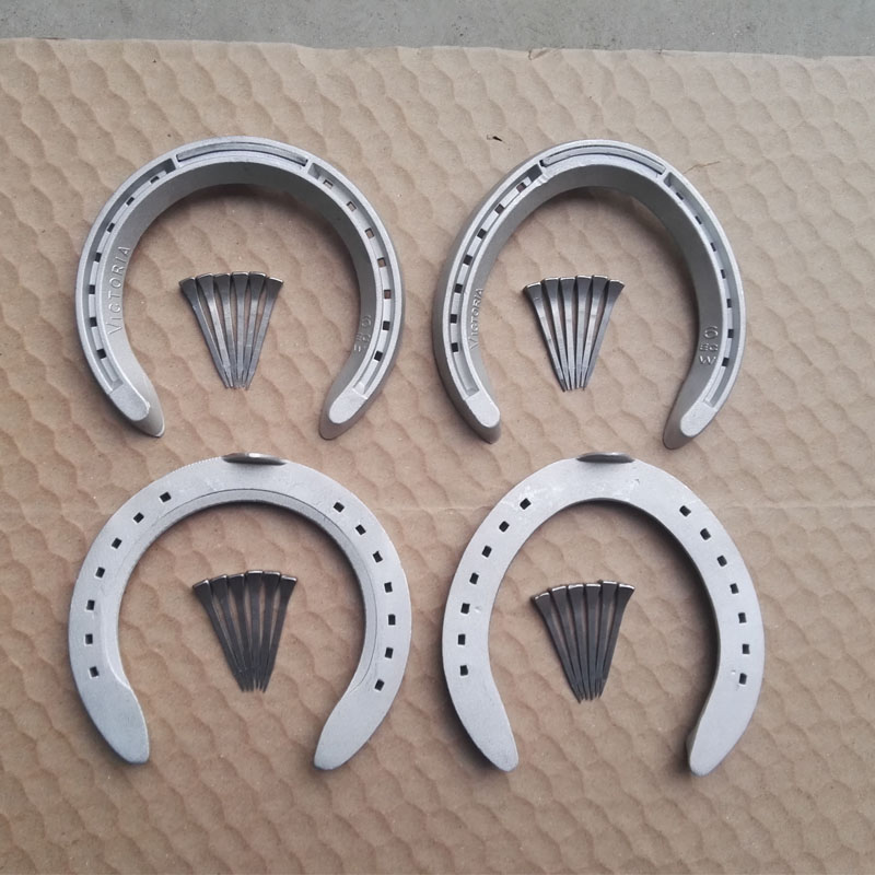4PCS/Set Horse Hoof Shoes Horse Racing Accessories Equestrian Equipment Durable Aluminum Alloy Horseshoes With Horseshoe Nails