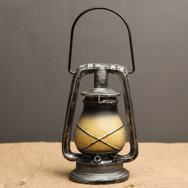 Retro Lantern Decorative Figurine