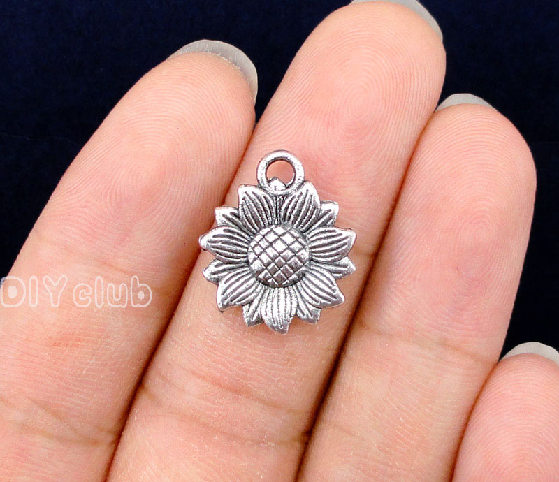 70pcs-Antique Silver / Bronze Sunflower Charms Pendants, Helianthus Annuus Charms 18x15mm70pcs-Antique Silver / Bronze Sunflower Charms Pendants, Helianthus Annuus Charms 18x15mm