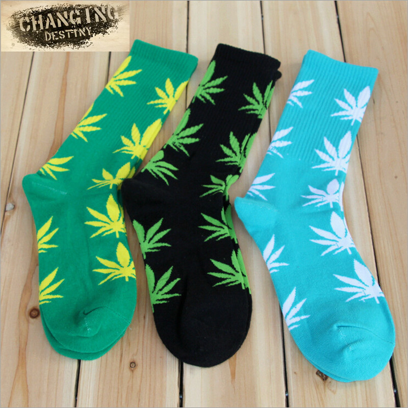 Germany's Harajuku Hip-hop Men's Maple Leaf   Socks   Cotton Hose Long Skateboard Hip-hop   Socks   for Male