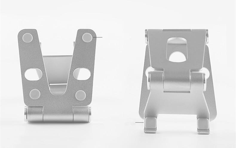 rotatable metal holder (9)