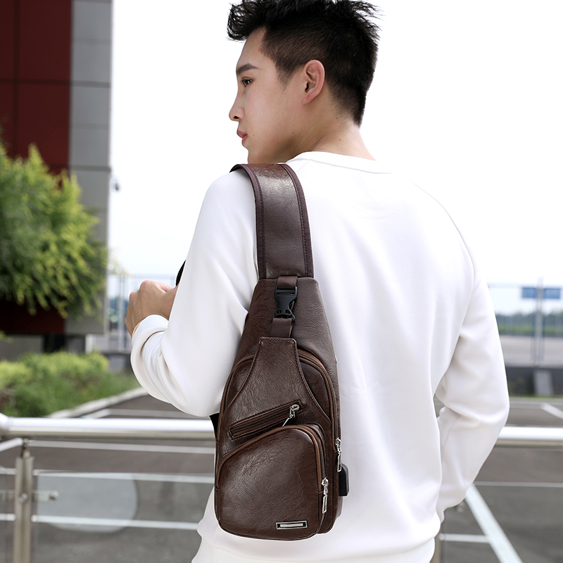 BALEINI 2018 Fashion Messenger New Shoulder Bag Men's Charging Bag Men's USB Breast Bag High quality leather 4