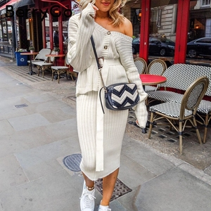 Image 2 - BerryGo שני חלקים נשים סרוג שמלת סט אלגנטי סתיו חורף סוודר שמלת חליפות ארוך שרוול כפתור sashes טהור חצאית חליפה