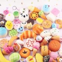 10 STKS Willekeurige Squishy Panda Brood Ijs Trage Stijgende Leuke telefoon Riemen Cake Broodjes Hanger Speelgoed Kid Squeeze Fantasiespel speelgoed