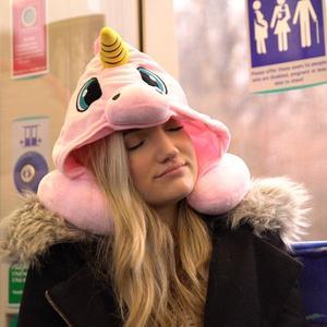 Cartone animato Unicorno di Resto del Collo a Forma di U Cuscino Cuscino Da Viaggio Con Cappuccio Compatto Morbido Con Cappuccio Unicorn Cuscino Da Viaggio(China)
