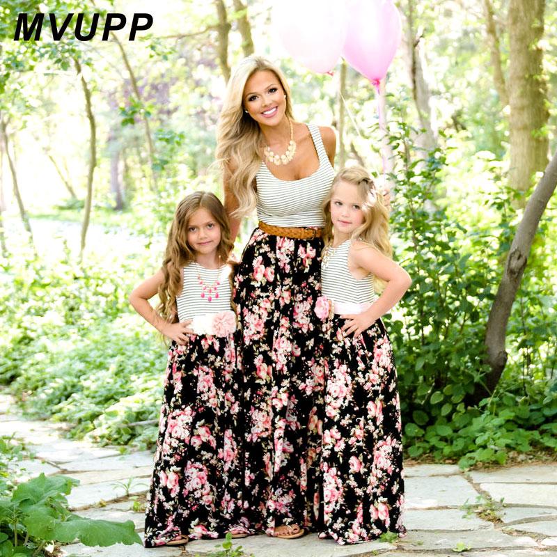 MVUPP mamá y mi familia de vestidos de la hija de madre ropa rayas madre hija vestido de los niños niño trajes mira