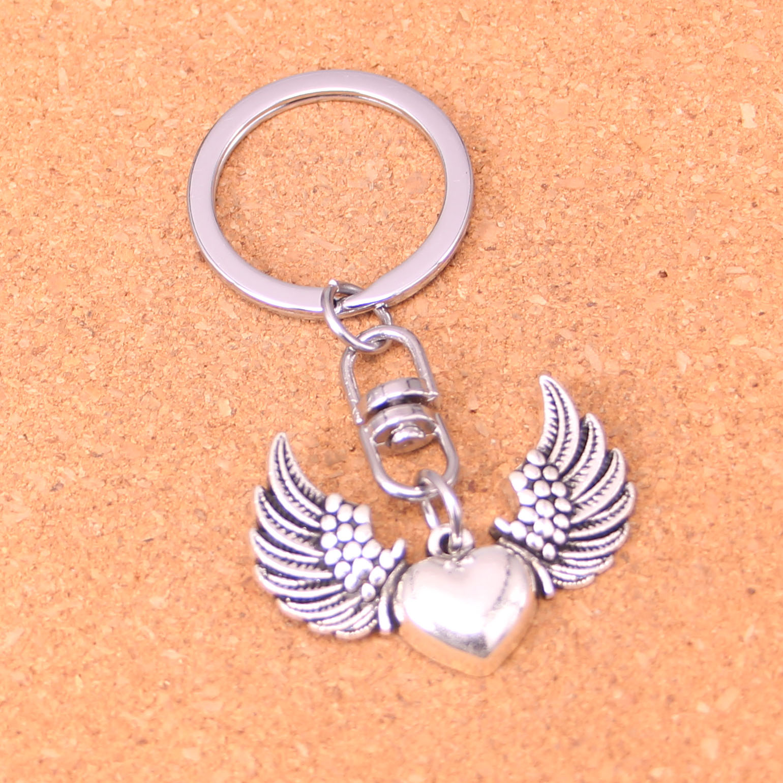 Vintage angel wings Key Rings Fashion Car Keychain Silver Color Metal Key Chains Accessory