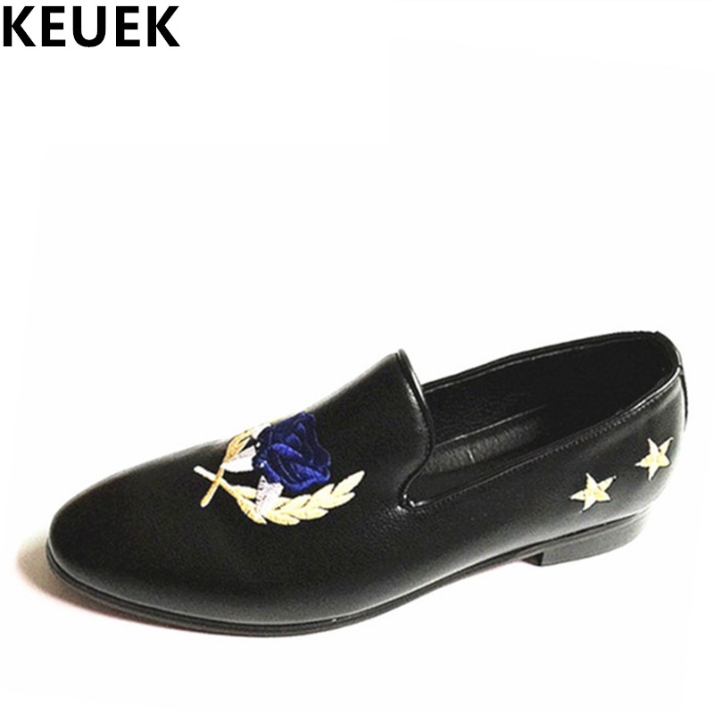 New arrival  personality casual leather shoes Men Slip On Flats Genuine leather Fashion Floral Loafers Male driving shoes 022 npezkgc new arrival casual mens shoes suede leather men loafers moccasins fashion low slip on men flats shoes oxfords shoes