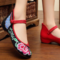 2016 New Chinese Traditional Embroidery Shoes Woman Casual Fish Ladies Shoe Dance Soft Flats Shoes