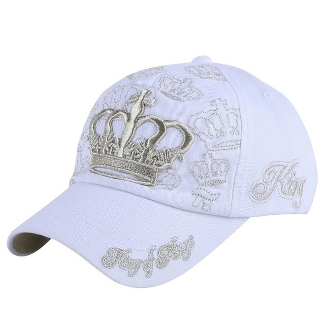 Nueva moda hombres mujeres marca gorra de béisbol sombrero dorado bordado  corona blanco rosa fucsia casual 048b877b70f