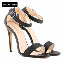 Europeu Elegante Doce Peep Toe Fivela Sapatos de Casamento Cinta Saltos Altos Finos Sandálias Para Calçados Femininos Bota Feminina