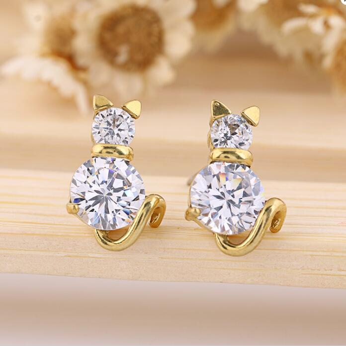 Lovely Gold Color Cat Crystal Clear Zircon Anti-Allergic Piercing Stud Earrings for Children Girl Kid Women brinco Jewelry