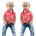 RT-213 Retail 2017 muchacho de La Manera ropa de los muchachos del verano nuevo algodón de la Camiseta + jeans pantalones cortos de mezclilla 2 unids. bebé fijado ropa de los muchachos