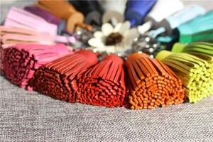 Image 2 - Znane marki luksusowe oryginalne naturalne prawdziwej skóry brelok do kluczy z pomponem na klucze brelok do kluczyków do samochodu brelok kobiety brelok do torby wisiorek dziewczyny