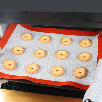 Non Stick Silicone Baking Mat In Good Heat Resistance For Cake And Cookie