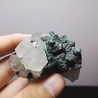 natural stones and minerals 72.5 grams of crystal specimens of hubei malachite white crystal with malachite symbiosis
