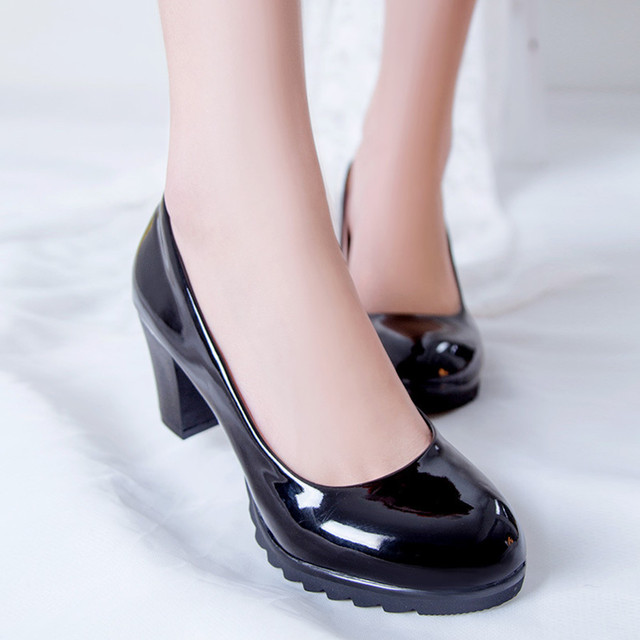 Fashion Style Women Pumps Square Heel Comfortable Wear Female Shoes Solid High Heels Office Career Hot Sale Slip-on Round Toe
