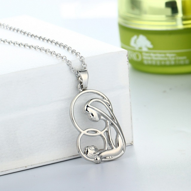 Mothers Day Heart Shape Mother Holding The Baby Pendant Necklace