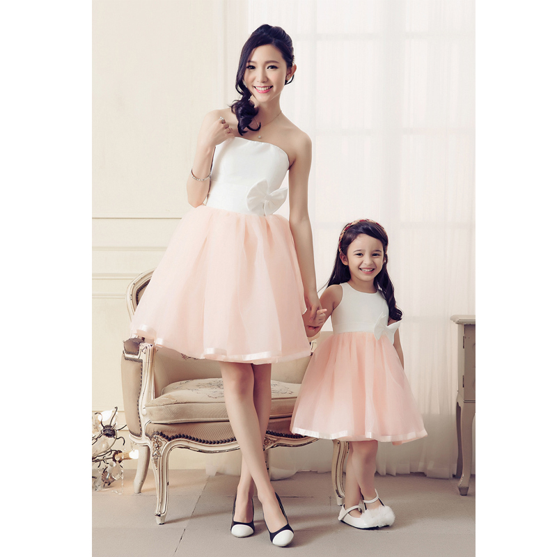 2016 Spring Sleeveless Vestido Wedding Party Mother Daughter Matching Dresses Clothes Fashion Bows Mom Ball Down Dress In Family Outfits