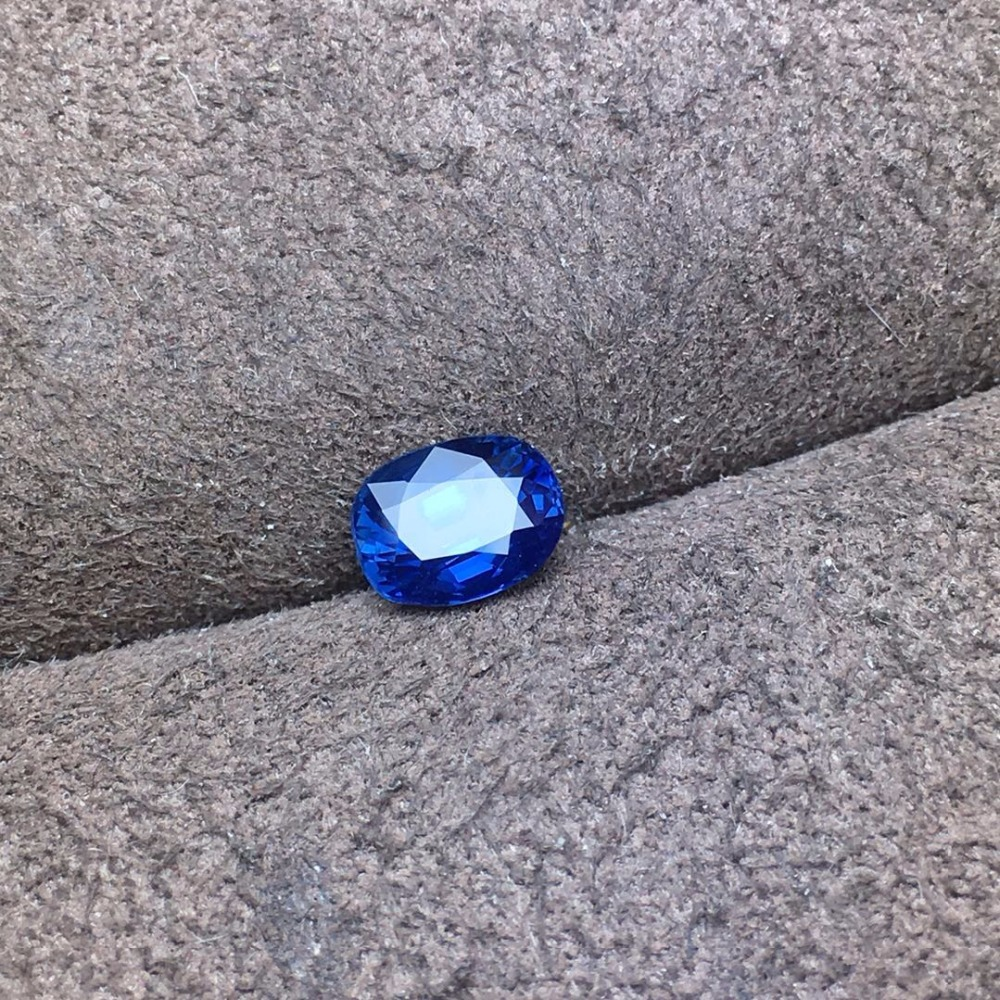 AIG certification 1.03ct Natural Sri Lanka Origin No Indication UnHeated Royal Blue Sapphire Stone Loose GemstonesAIG certification 1.03ct Natural Sri Lanka Origin No Indication UnHeated Royal Blue Sapphire Stone Loose Gemstones