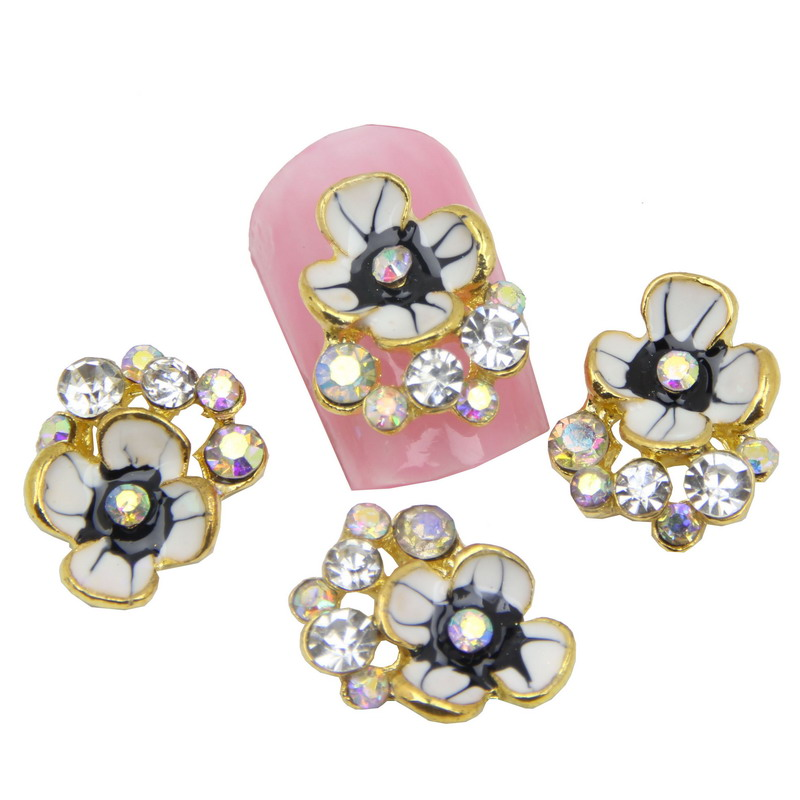 10Pcs Lot Vintage Flower Shape Nail Art Styling Tools Glitter Rhinestone  Colorful Crystal 3D Alloy Nail Charm Stud Retail MA0055 1b64ebc79971